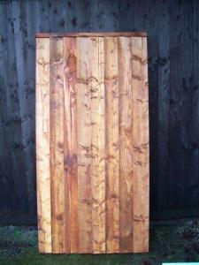 CLOSEBOARD FULLY FRAMED FLAT TOP GATE